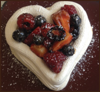 gustare-balsamic-berries-merengue-heart2
